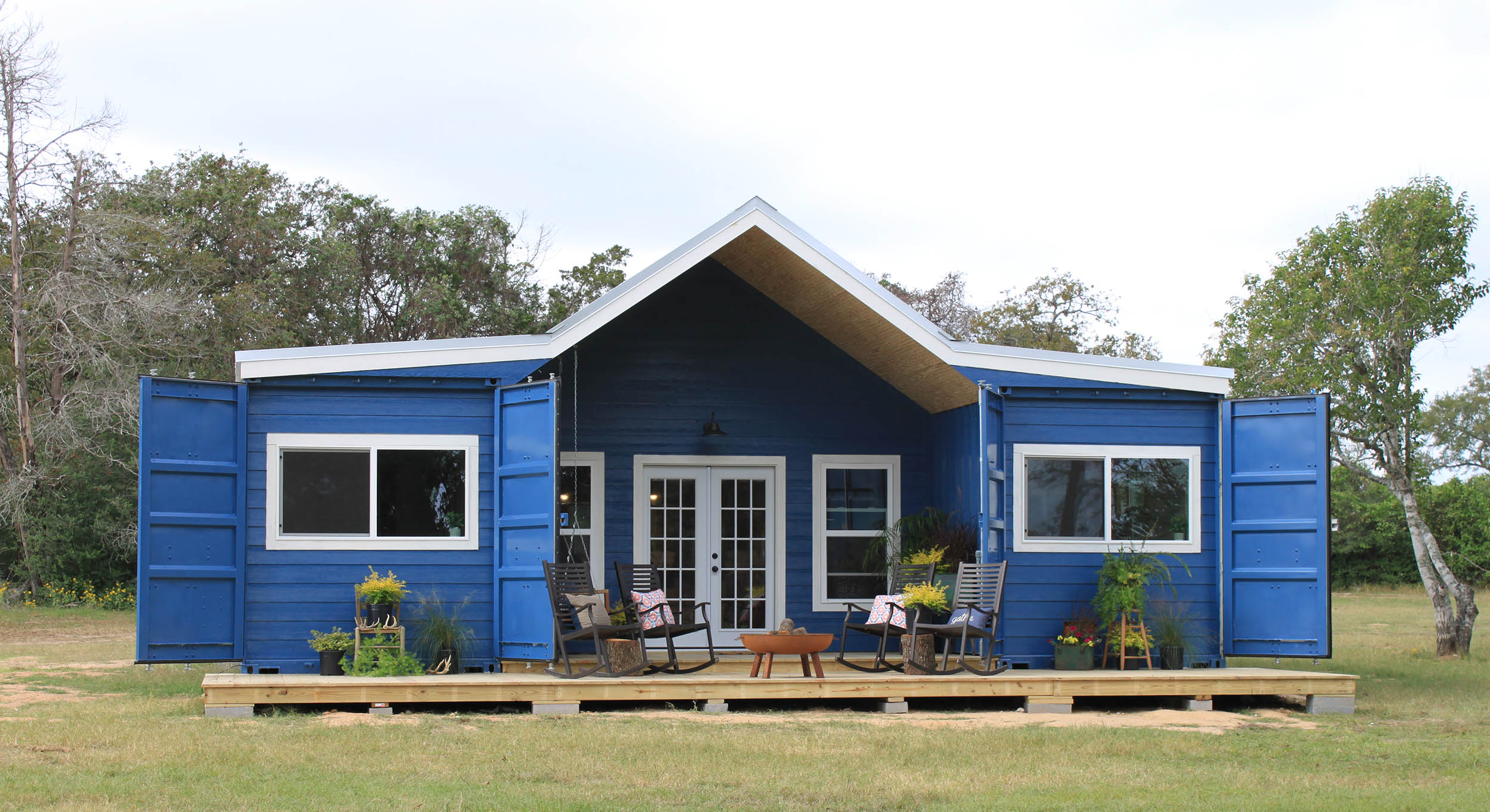 6 shipping container homes that you can buy right now